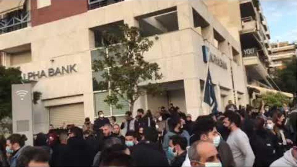 Βίντεο από πλατεία Νέας Σμύρνης
